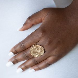 Oversized Gold Disc Ring Stretch NWT